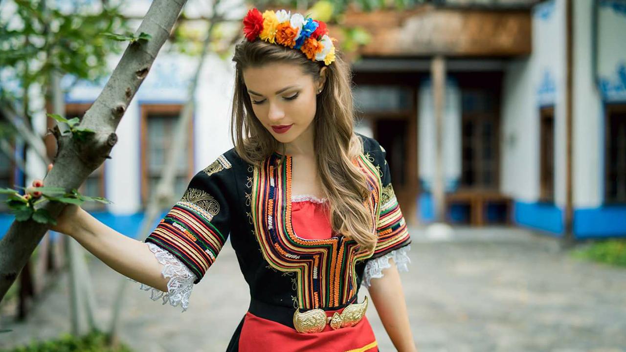 "Магазин за карнавални костюми ""Pen Silhouette"" в Пловдив"