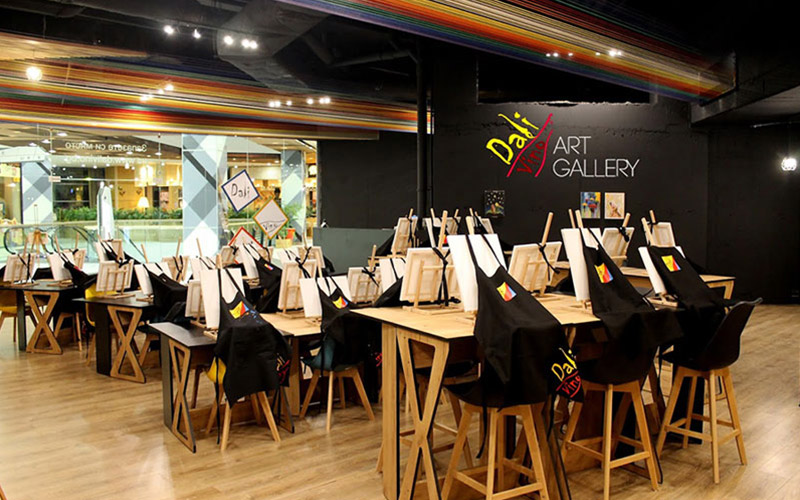 Dali Vino Art Gallery